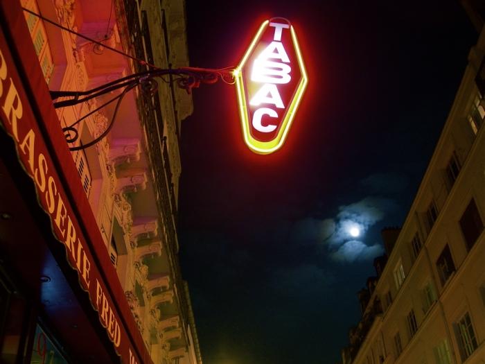 lune et cigarettes / moon and cigarettes