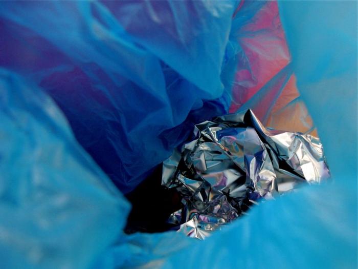 plastique & aluminium / plastic & aluminium
