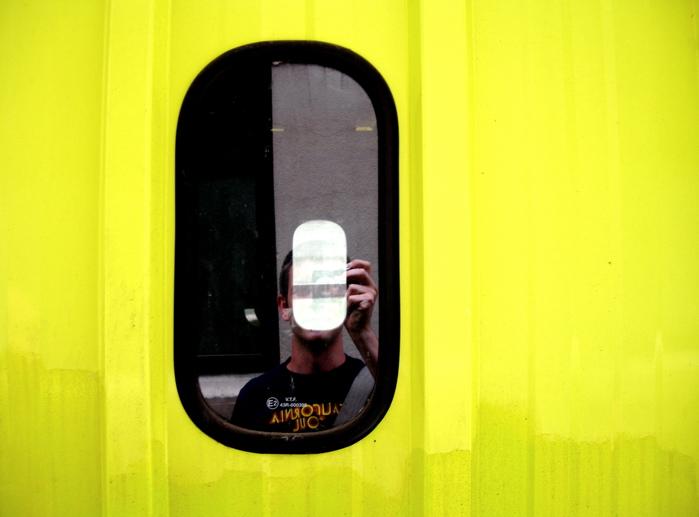 auto-portrait jaune / yellow self-portrait